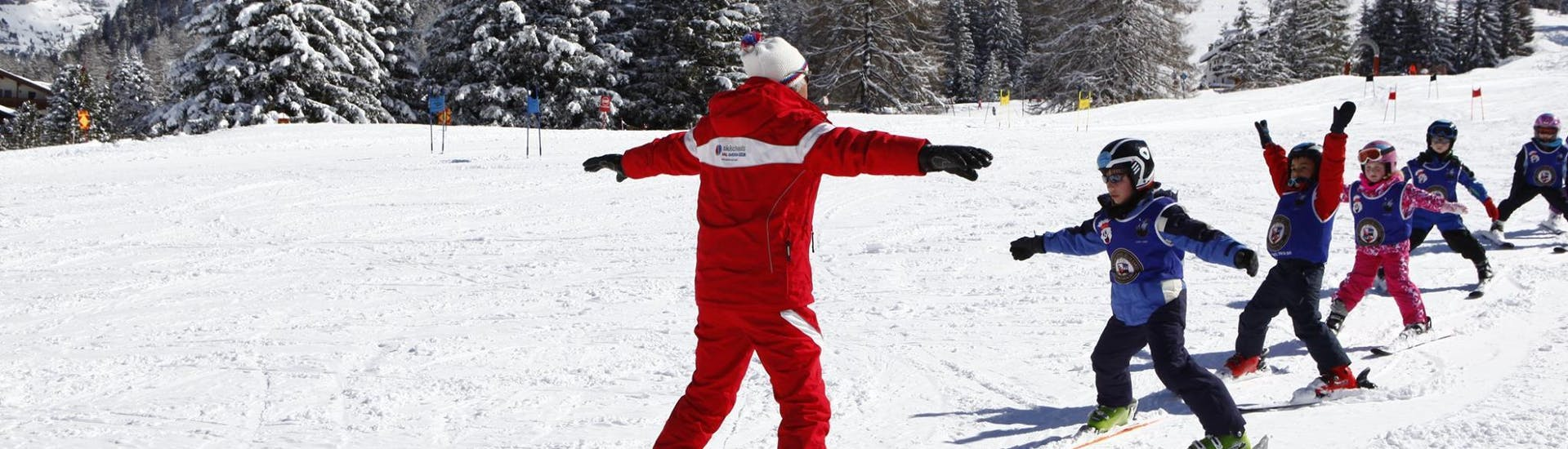 Kids Ski Lessons (2.5-4 y.) for Beginners with Ski and Snowboard School Selva Val Gardena - Hero image