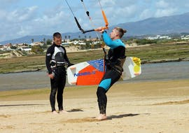 Privéles kitesurfen in Lagos vanaf 8 jaar