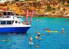 Balade en catamaran Sant Antoni de Portmany - Cala Bassa avec Baignade & Coucher du soleil avec Ibiza Boat Cruises