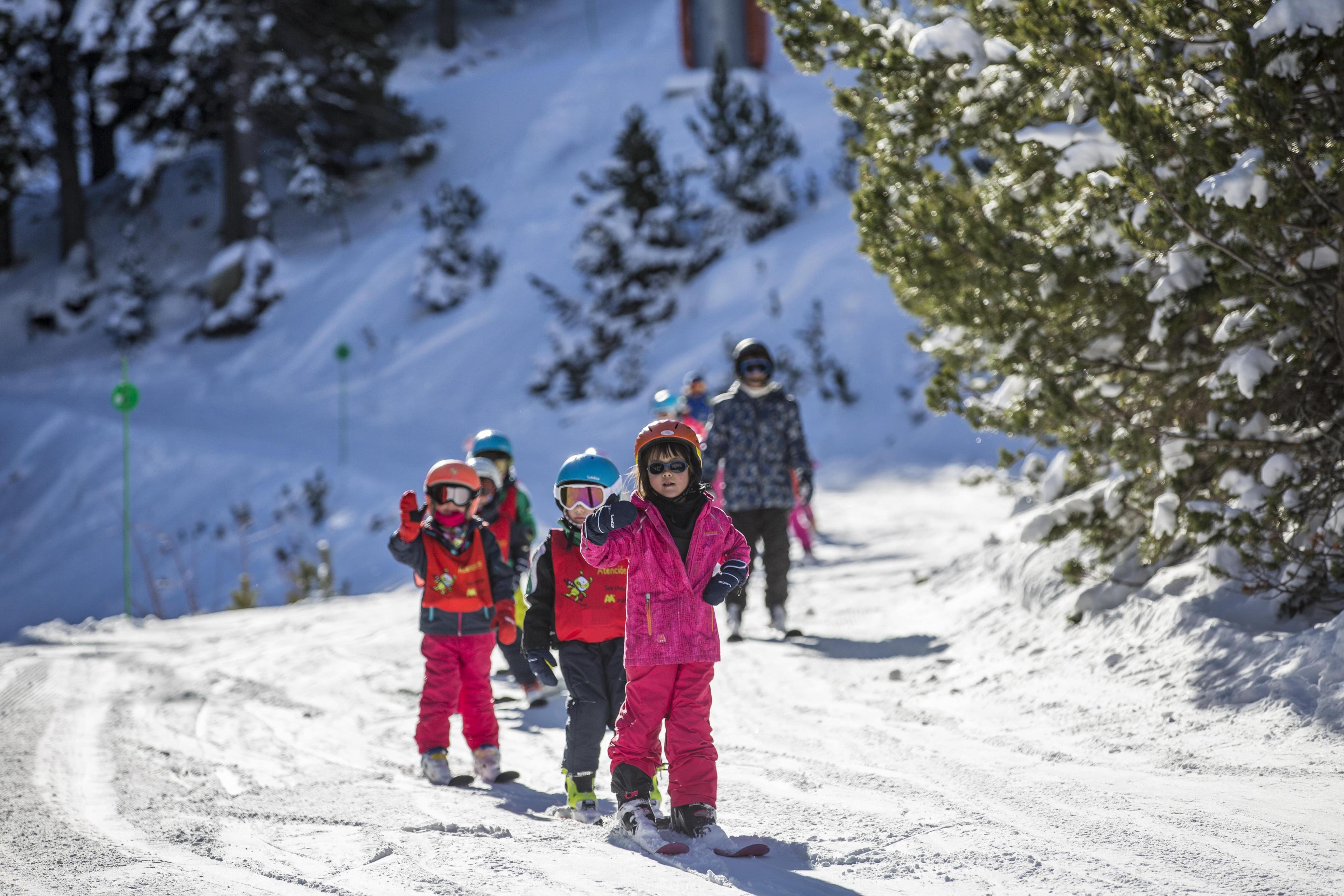 Clases de Esquí para Niños (4-14 a.) para todos los niveles