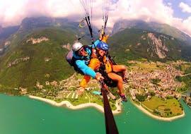 Acrobatic Tandem Paragliding in Molveno