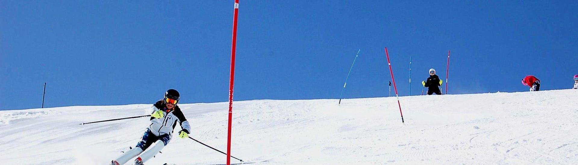 ski-lessons-for-all-levels-weekend-escola-vall-de-boi-hero
