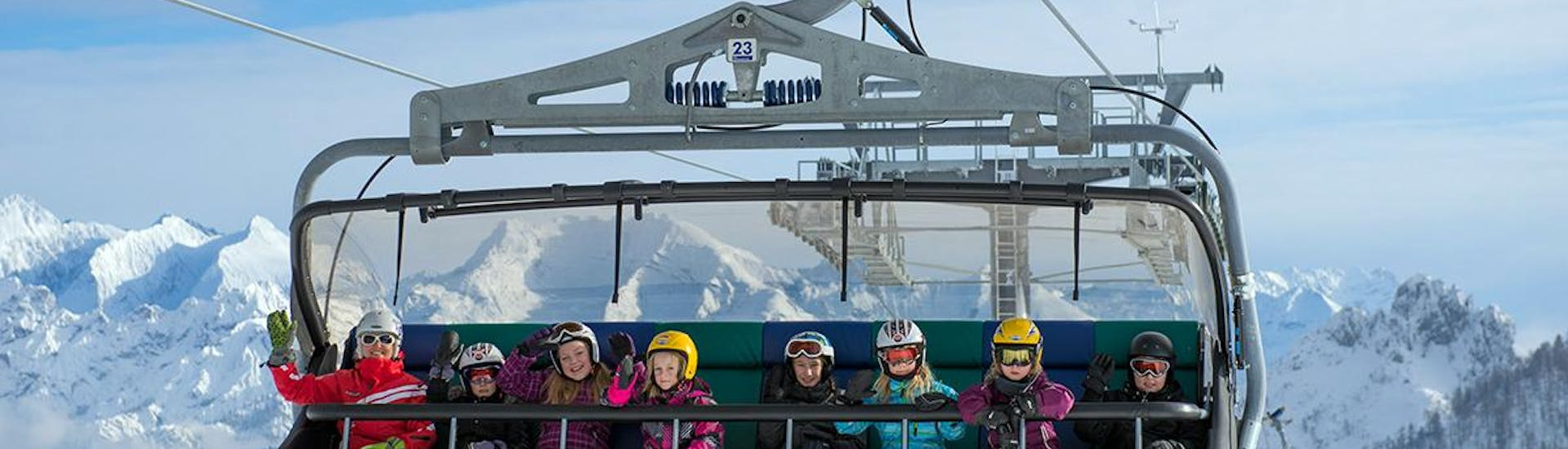 """Ski Lessons """"All-in-One"""" for Kids (4-11 years) - Advanced with HERBST Skischule Lofer - Hero image"""