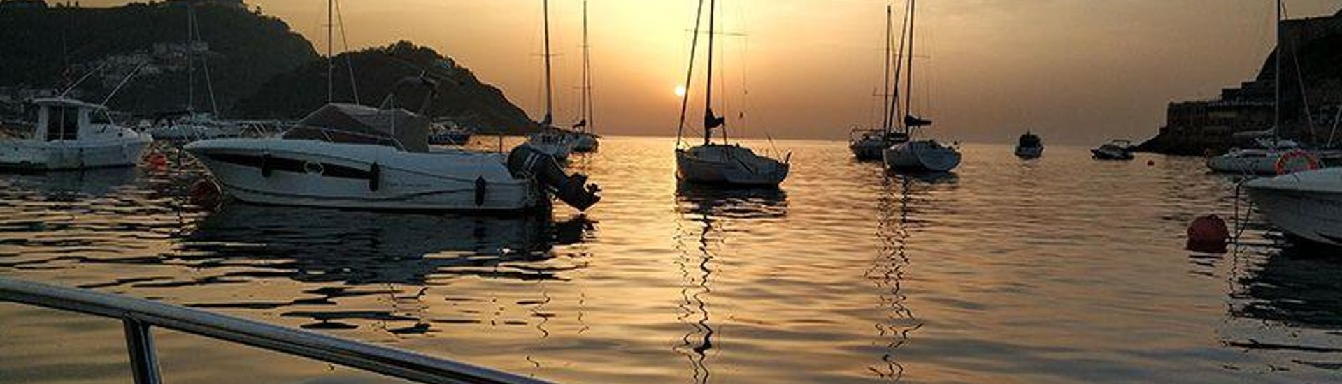Private Boat Tour at Sunset in San Sebastián