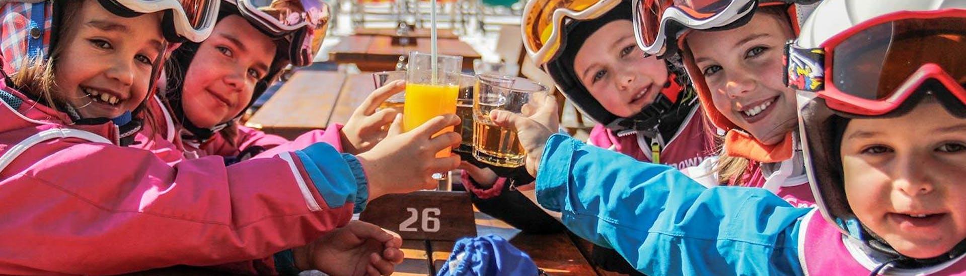 Cours de ski Enfants dès 4 ans pour Tous niveaux avec Scuola di Sci e Snowboard Dolomites Armentarola - Hero image
