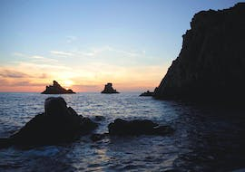 The beautiful sunset that you can enjoy during the Boat Trip to Calanques de Piana from Porto with Avventu Event's.