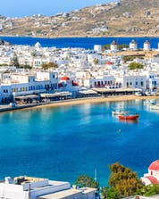 An image of the harbour of Mykonos Town, a common departure point for boat tours on Mykonos.