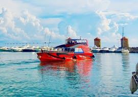 Une image du bateau rapide de Rhodes Sea Lines qui effectue la navette bateau entre Lindos et Mandraki.