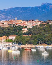 Boat tours Corsica (c) Shutterstock