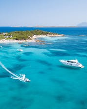 Giri in barca Sardinia Shutterstock