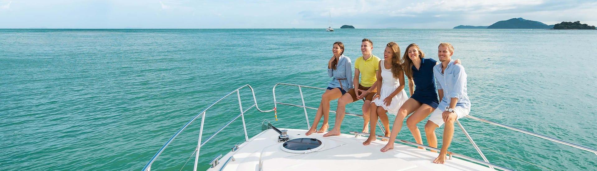 Boat trips (c) Shutterstock