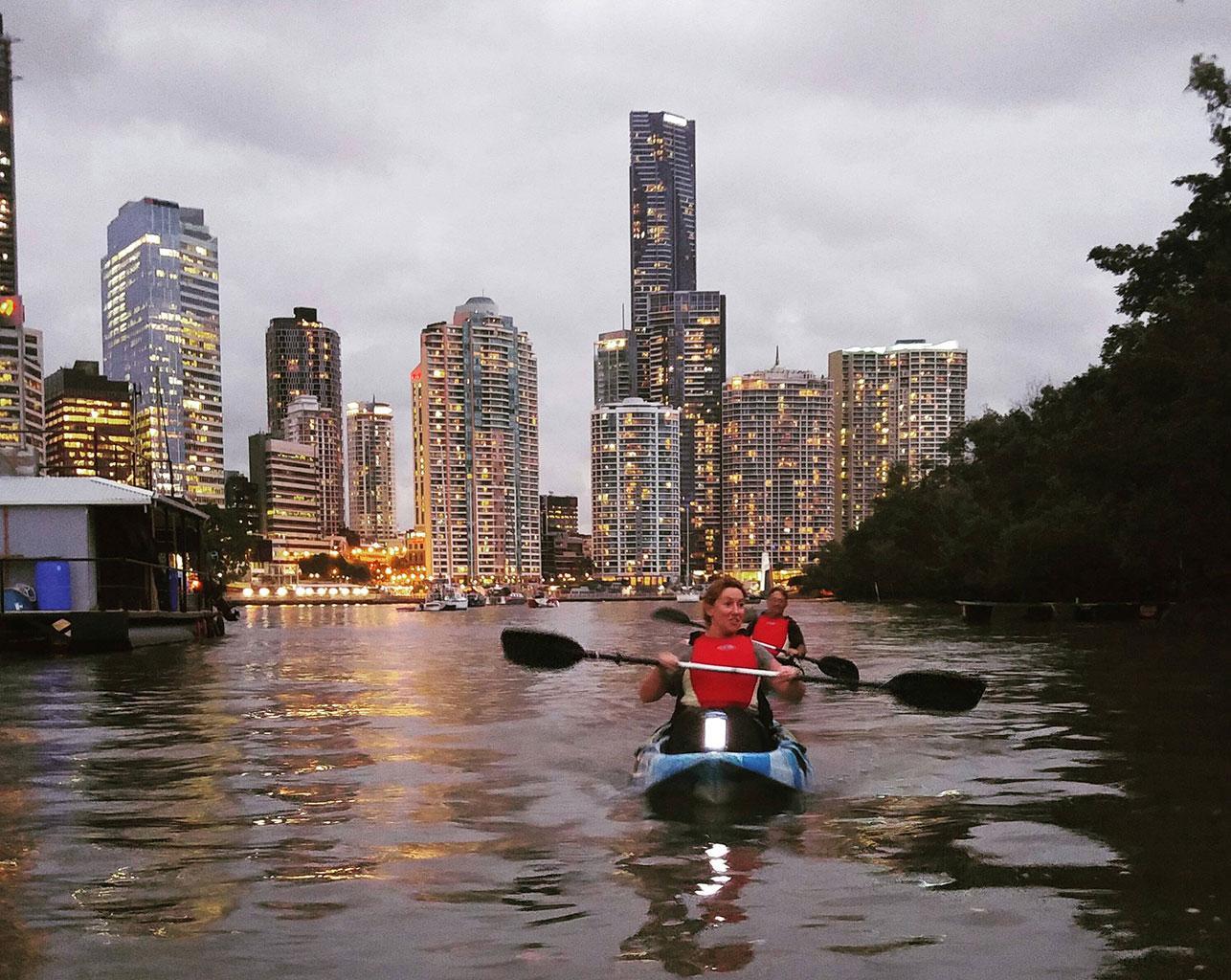 Kayaking in Brisbane - Nighttime