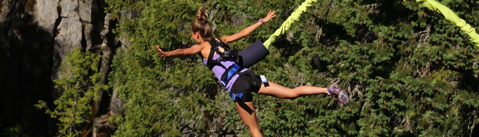 Bungee Jumping (c) Shutterstock.jpg