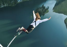 Bungee Jumping from a Cable Car (134m)