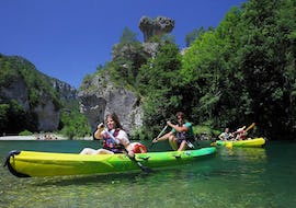 """A group of friends is enjoying their Canoe and Bungee Jumping """"Le 107"""" in Gorges du Tarn (107m) activity with Elastic Natural Bungee."""