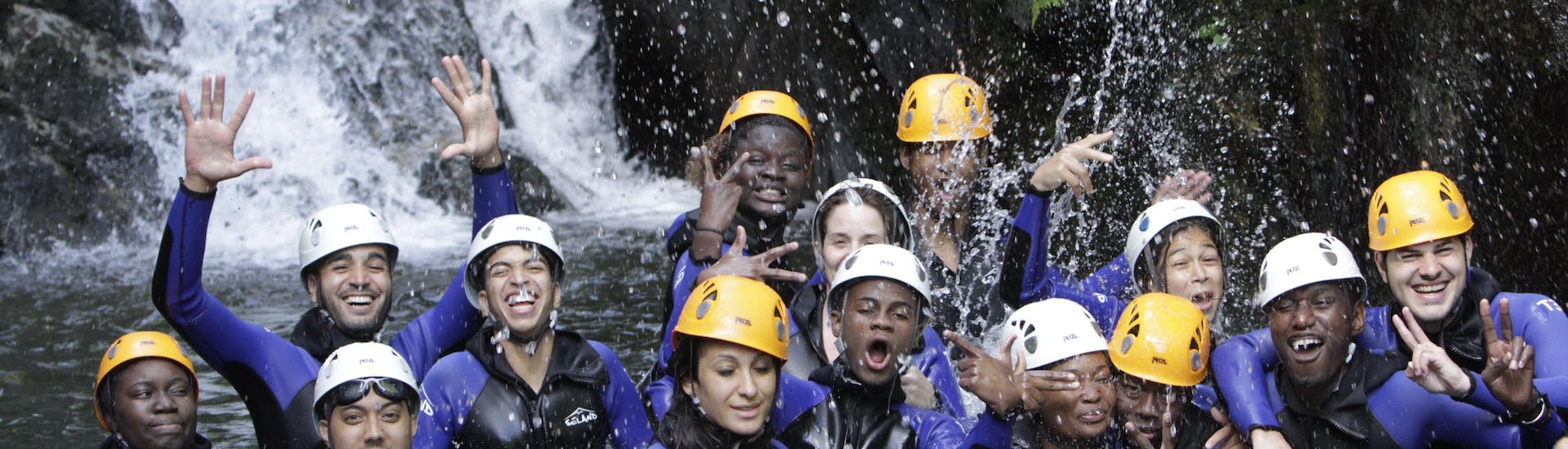 canyoning-for-everyone-groups-8-ppl-upper-besorgues-geo-canyon-hero