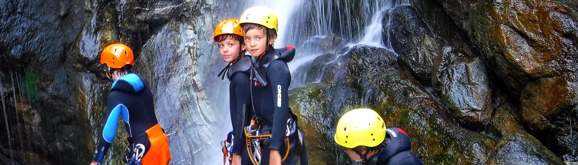 canyoning-in-the-chalamy-for-families-canyoning-valle-d-aosta-hero