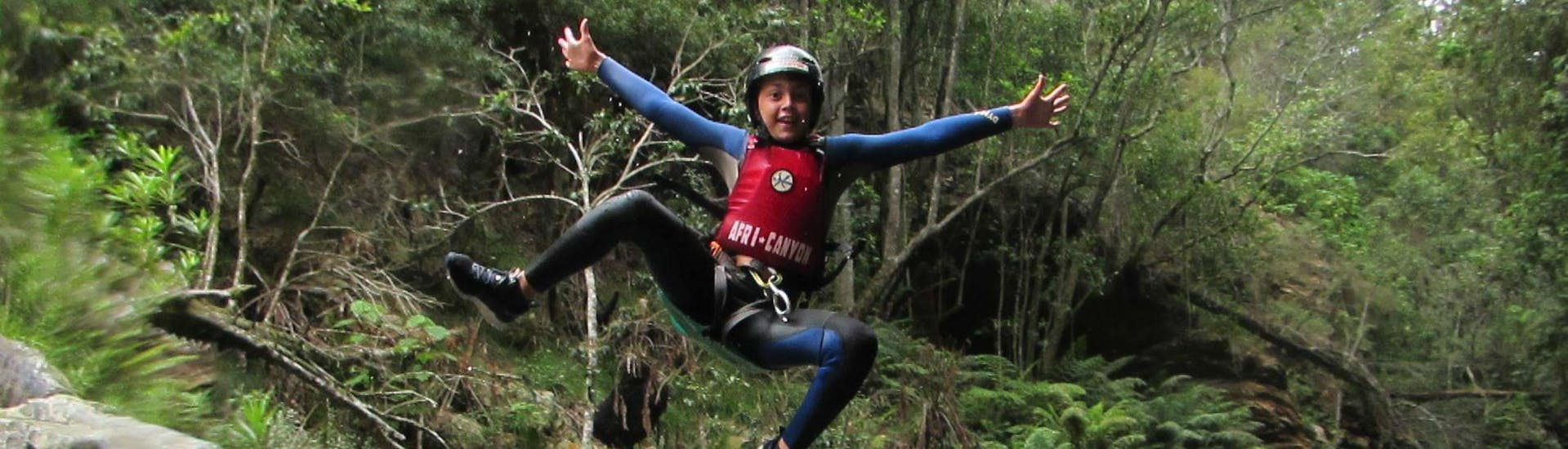 canyoning-in-the-crags-introductory-tour-africanyon-hero