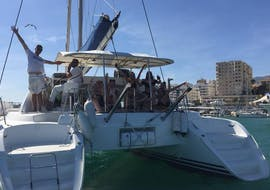 Private Segeltour von Estepona mit Schwimmen & Angeln