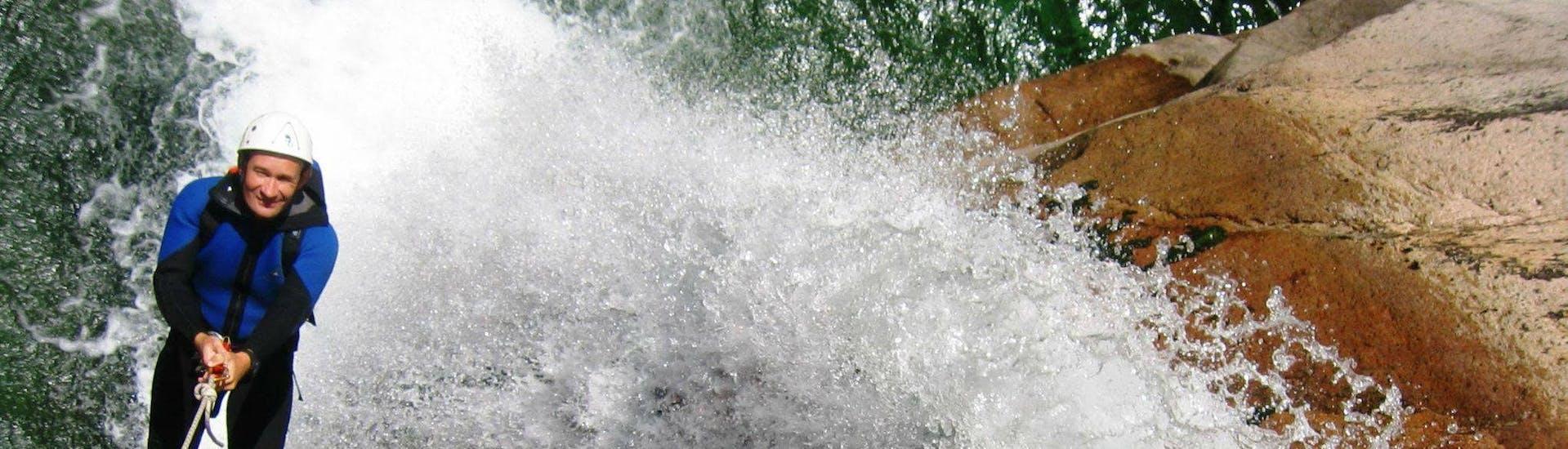 Canyoning dans le canyon de Purcaraccia - Sport