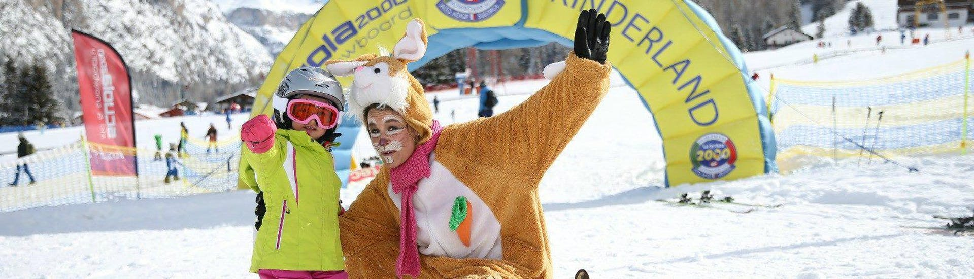 """Kids Ski Lessons """"Full day"""" (4-12 y.) for All Levels with Scuola Sci 2000 Selva - Hero image"""