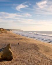 Surfing Costa da Caparica (c) Shutterstock