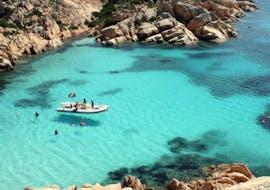 Giro in barca a Cala Coticcio con snorkeling