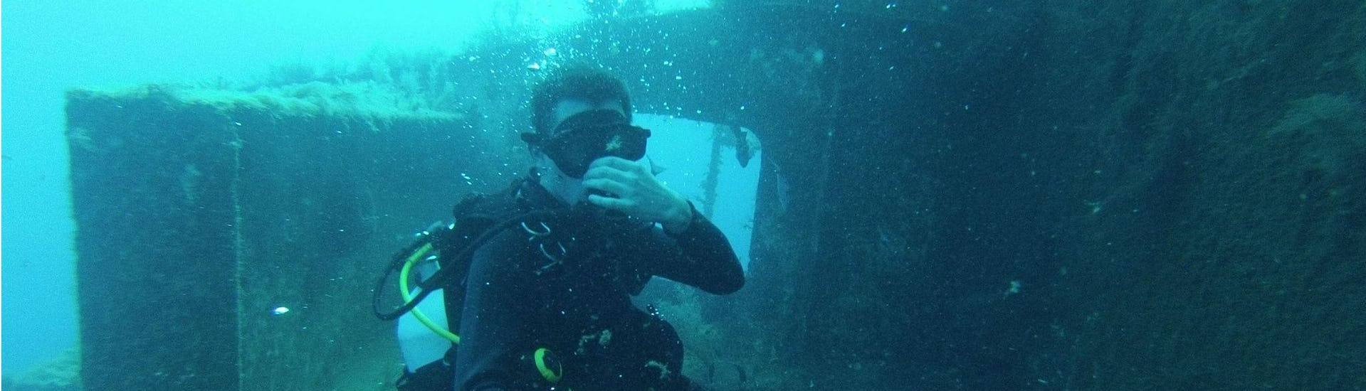 Scuba Diving - Guided Day Trips from Peyia
