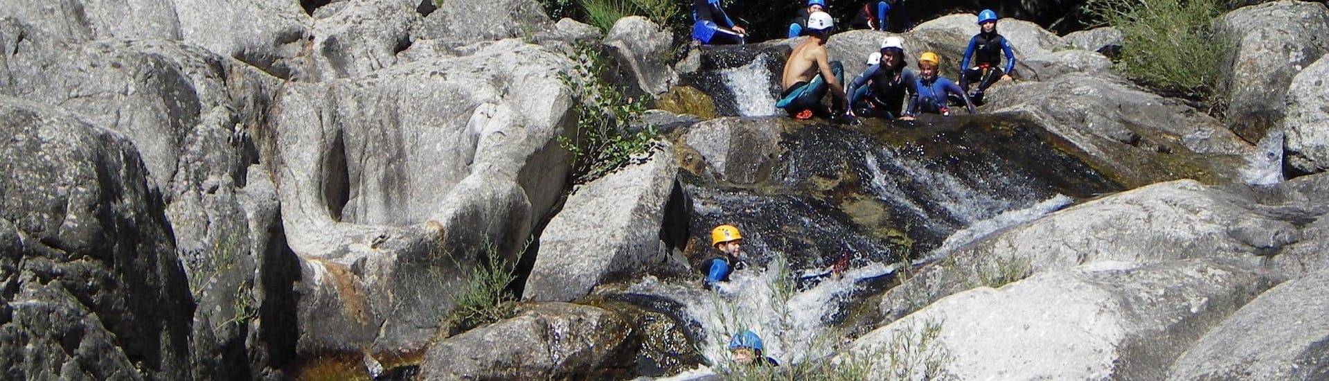 discovery-canyoning-in-haut-chassezac-canyon-cevenaventure-hero2