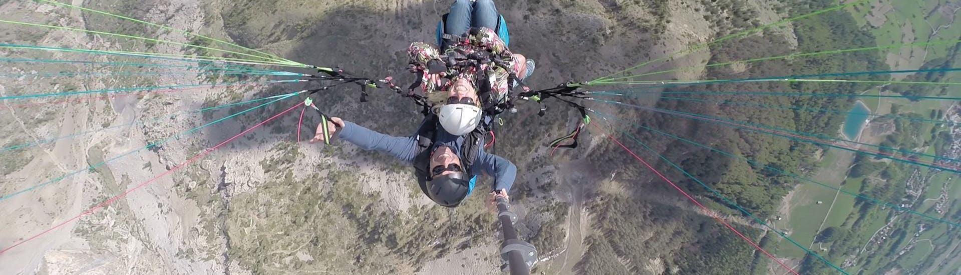 """Tandem Paragliding """"Getaway"""" - Barre des Ecrins"""