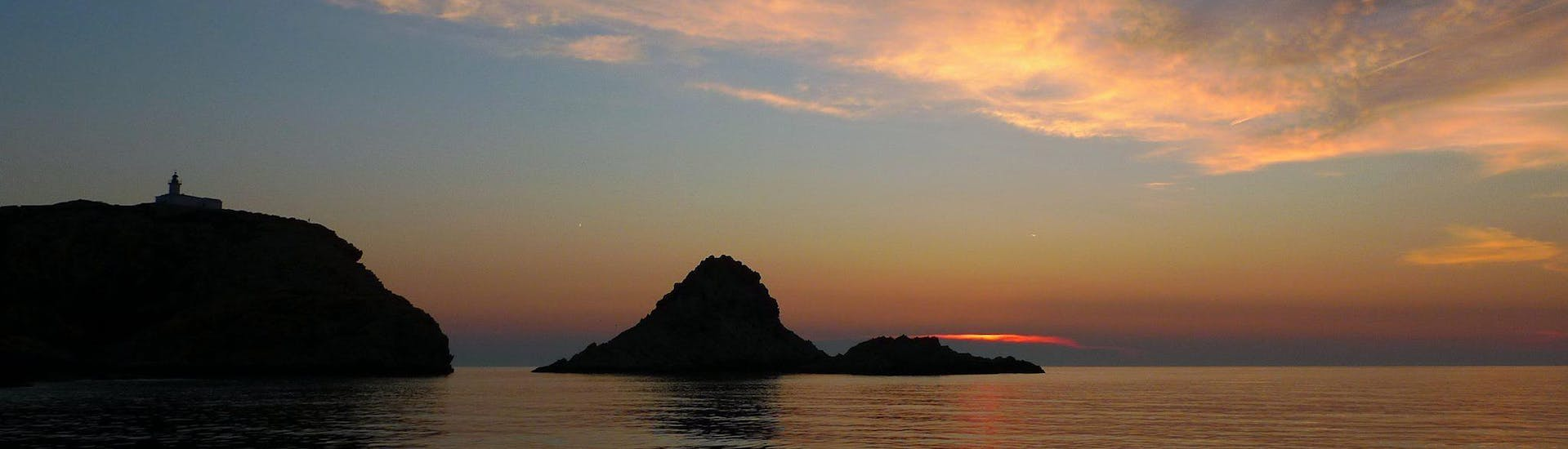 Sunset on Ile Rousse after a snorkeling activity with EPIR plongée.