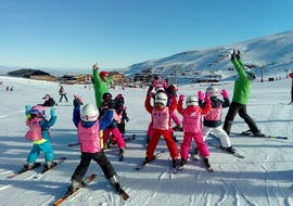 Skilessen voor kinderen vanaf 6 jaar voor alle niveaus met Escuela Internacional de Esquí Sierra Nevada