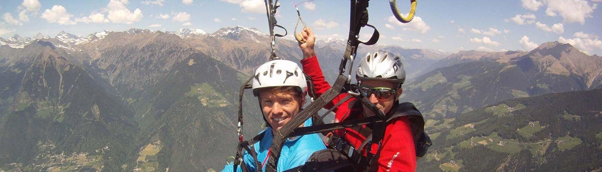 paragliding-at-punta-cervina-mountain-station-flight-flyhirzer-hero