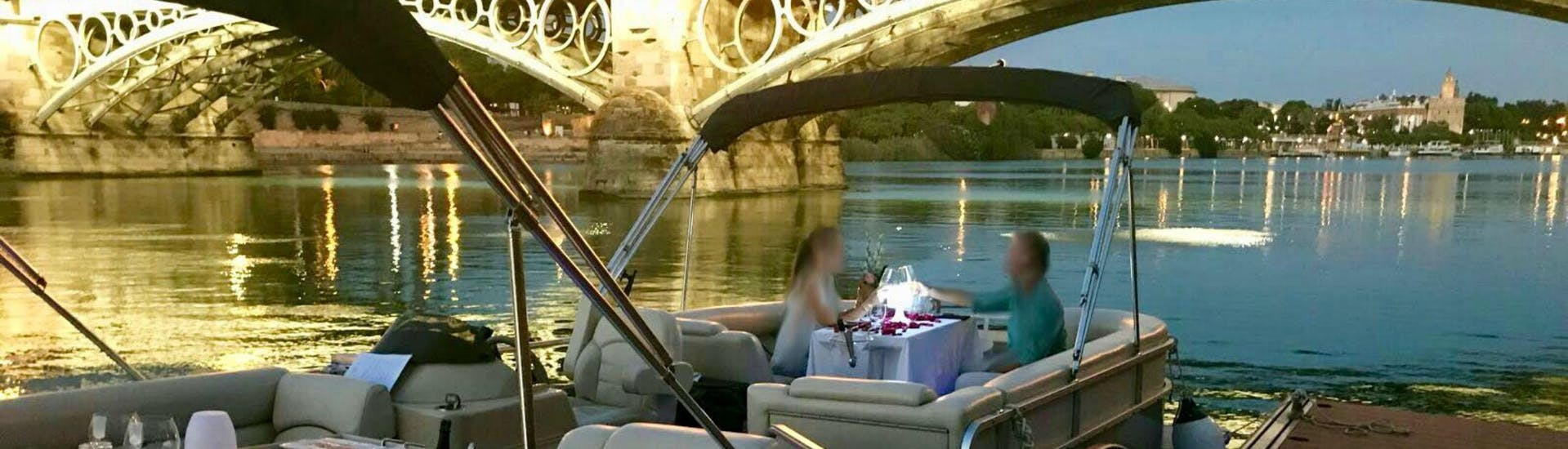 Private Sightseeing Boat Trip with Dinner in Seville