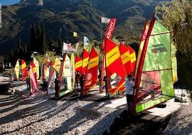 Windsurflessen in Navene vanaf 10 jaar voor beginners