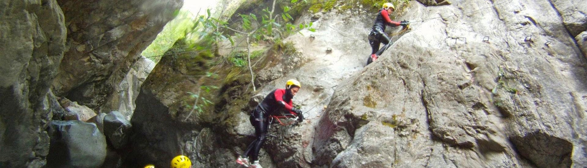 Groupe en excursion canyoning
