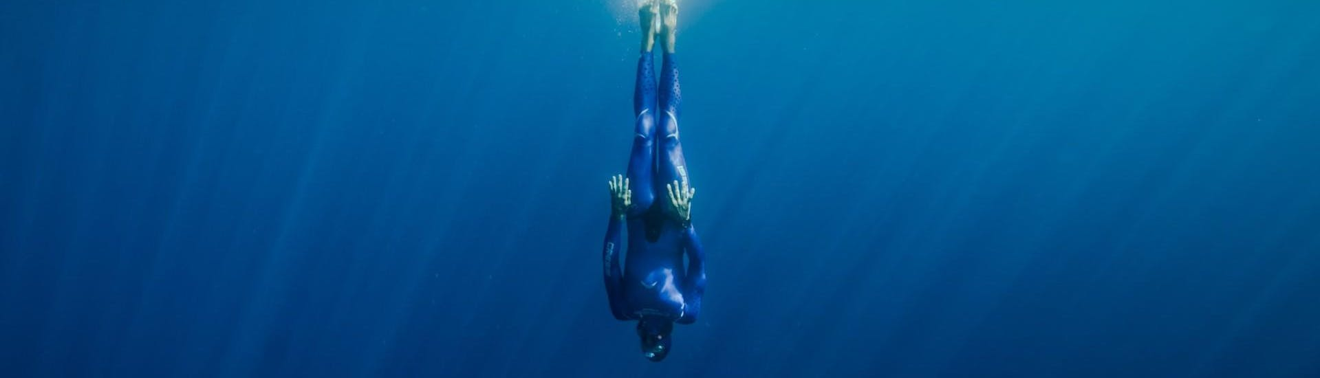 free-diving-lesson-in-annecy-lake-reda-apnea-annecy-hero