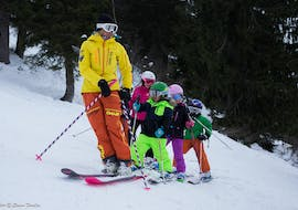 Kids are doing Kids Ski Lessons (4-5 y.) for First Timers with Evolution 2 La Clusaz.