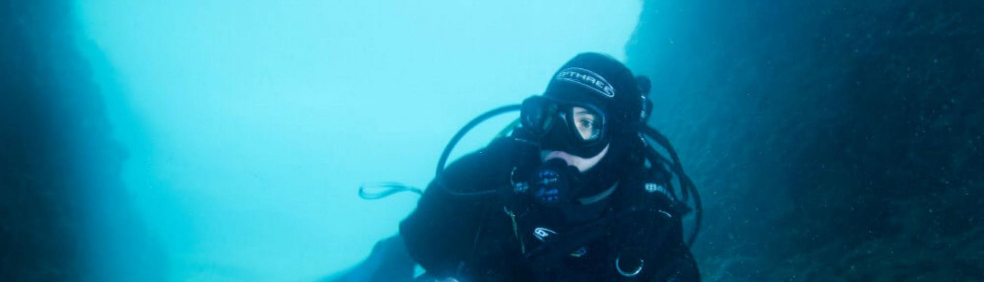 guided-dives-in-pula-for-certified-divers-orca-diving-center-hero1