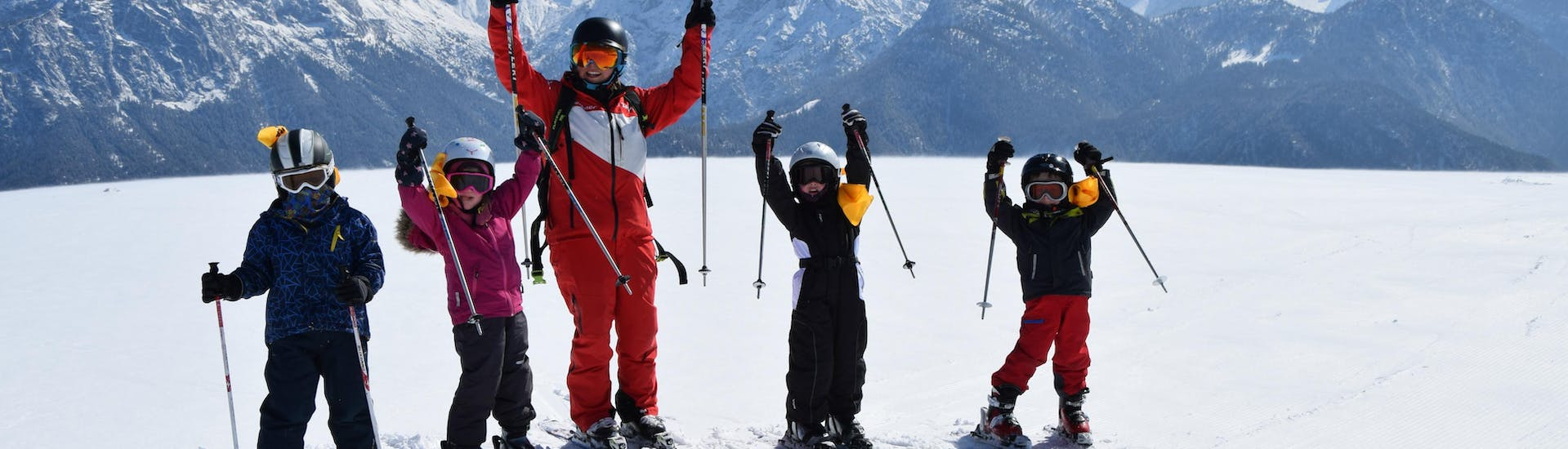 Kids Ski Lessons (4-11 y.) for Advanced Skiers with HERBST Skischule Lofer - Hero image