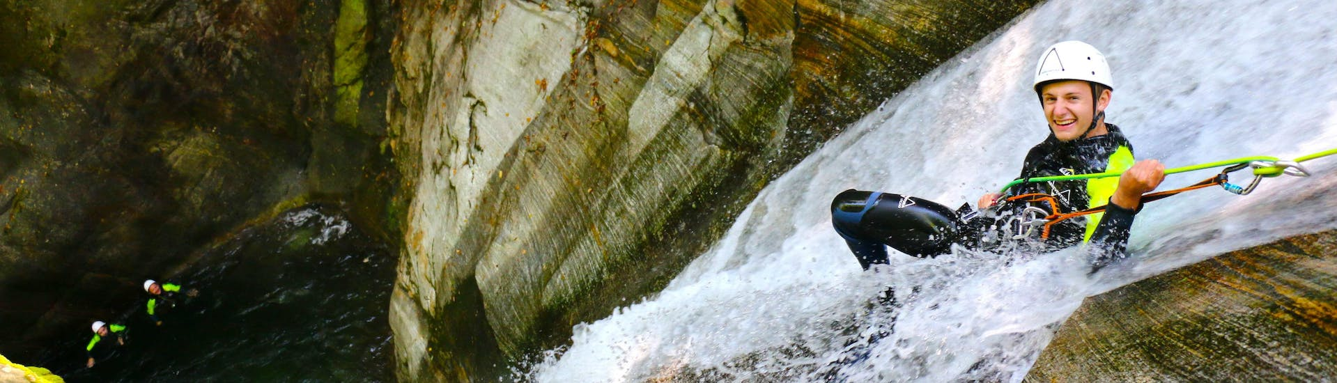 Basic Canyoning in Corippo in Ticino with Purelements Ticino - Hero image