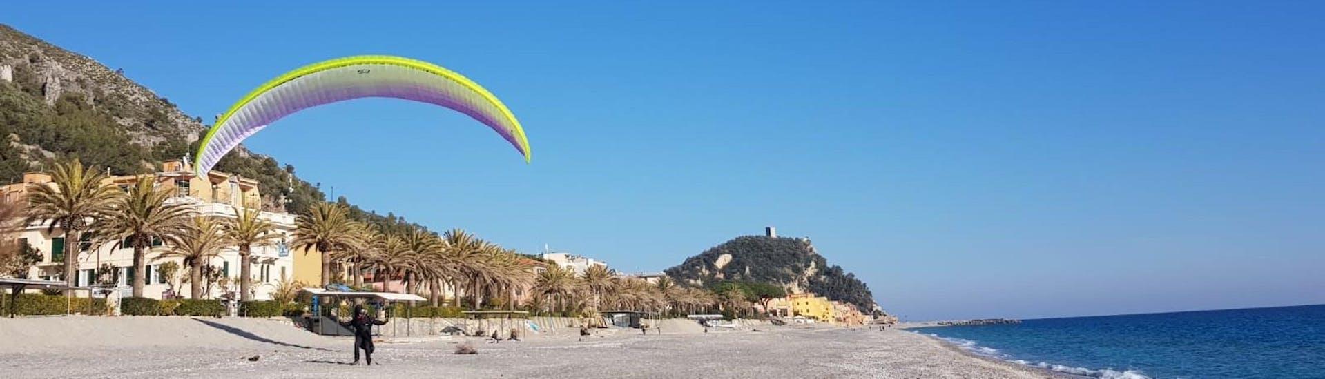 """Tandem Paragliding """"Over the sea"""" - Spiaggia di Bergeggi"""