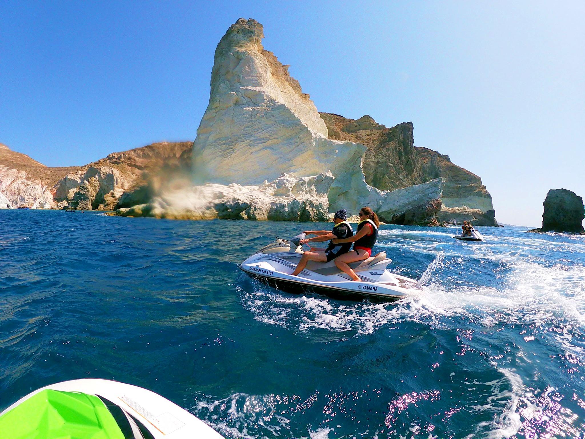 Randonnée en jet ski le long de la côte sud de Santorin