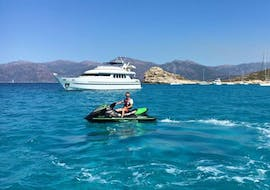 A person on a Gliss1Flo jet ski off the coast in Saint-Florent.