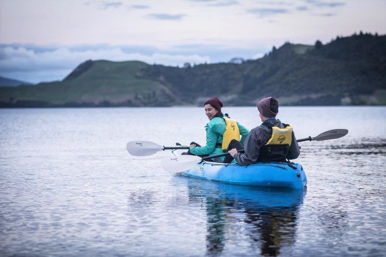 Kayak Rotorua - Twilight Glow Worm Tour Winter incl Transfer