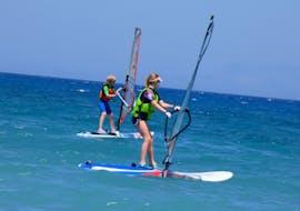 Cours de windsurf sur la plage d'Ixia pour Débutants