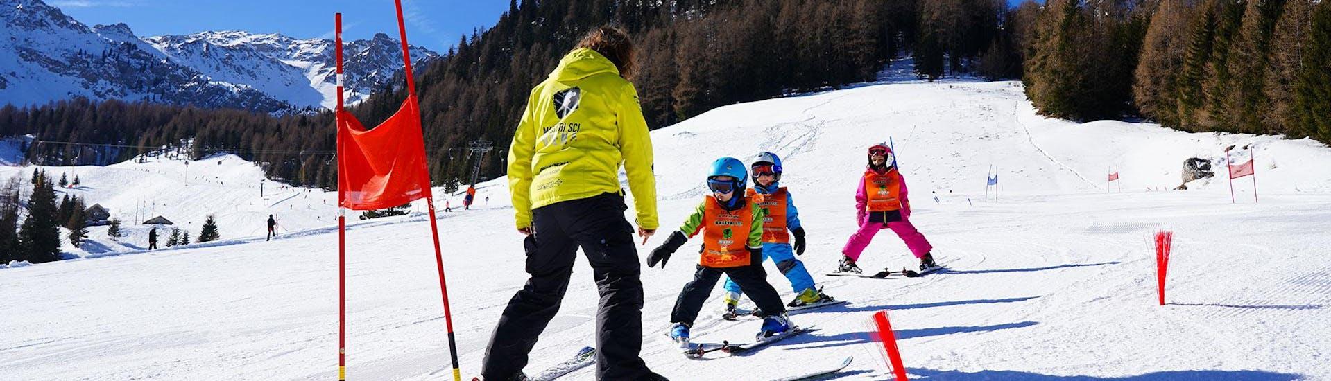 kids-ski-lessons-3-5-y-for-beginners-maestri-di-sci-moena-hero