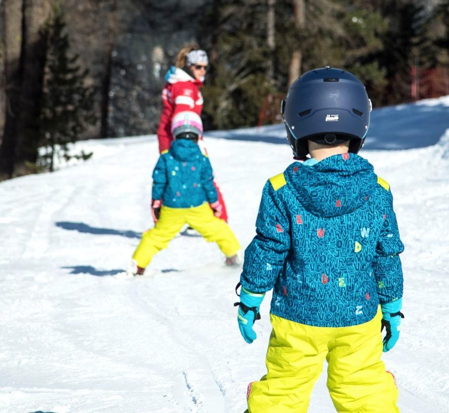 Lezioni di sci per bambini a partire da 5 anni per tutti i livelli