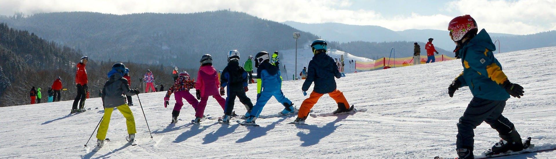 Lezioni di sci per bambini a partire da 6 anni per tutti i livelli