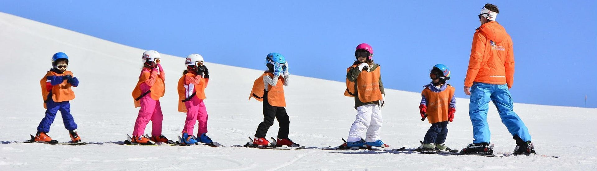 kids-ski-lessons-6-12-years-beginner-yes-academy-sestriere